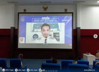 Civitas Akademika Politeknik Keselamatan Transportasi Jalan mengikuti Webinar Nasional dalam rangka memperingati HUT RI Ke-75 Kementerian Perhubungan bersama Kompas TV